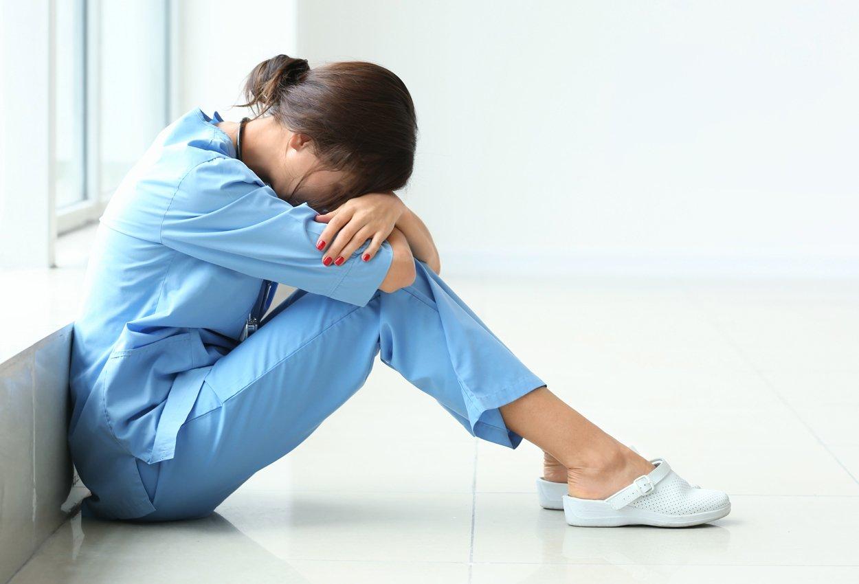 nurse_resting_cvrimg