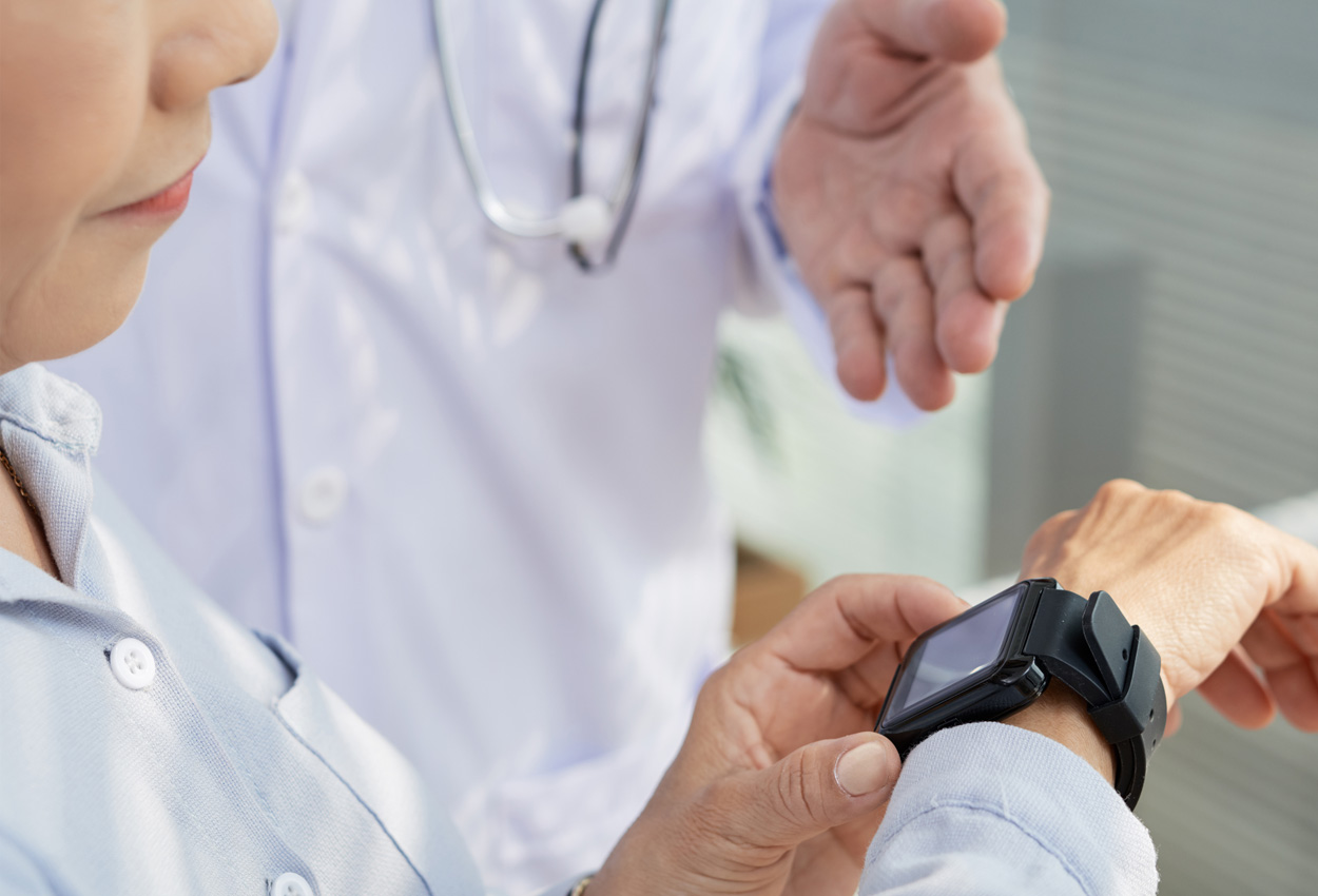 How Activity Trackers Could Become an Essential Tool in Cancer Treatment Planning