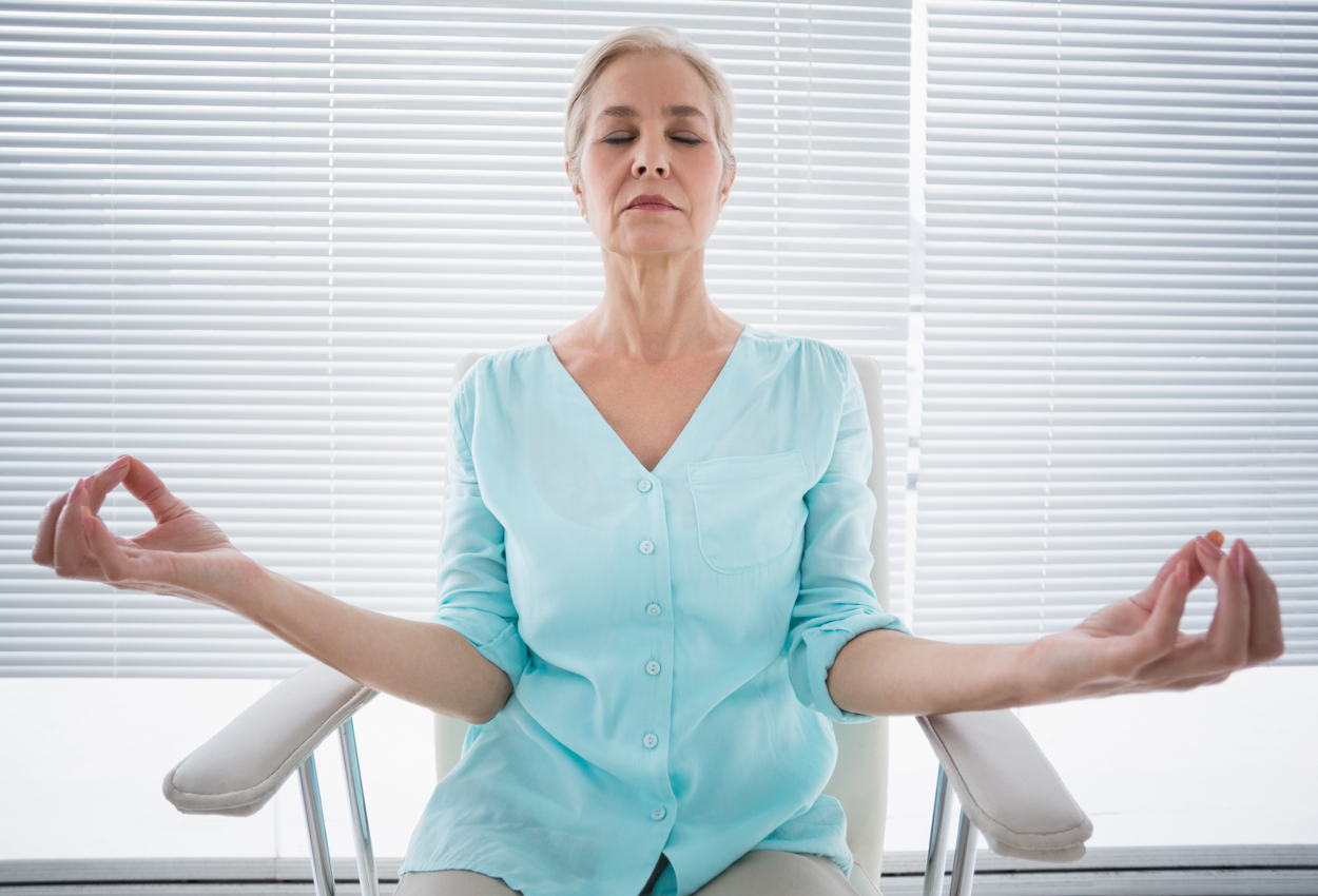 """Online Yoga: The """"New Normal"""" for Cancer Patients and Survivors"""